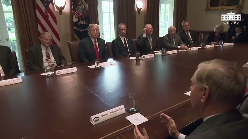 President Trump Meets With Members of Congress Discussing Multiple Issues… https://t.co/SwL7M4Oos8 https://t.co/yEUavAX5vI