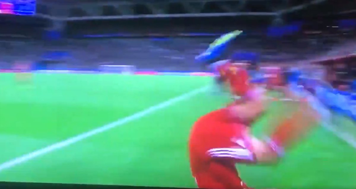 'Put that throw-in in the hall of fame!' – Incredible late throw steals show during Iran game   https:// bit.ly/2tplNGa  &nbsp;  <br>http://pic.twitter.com/vCIQgwJWaE