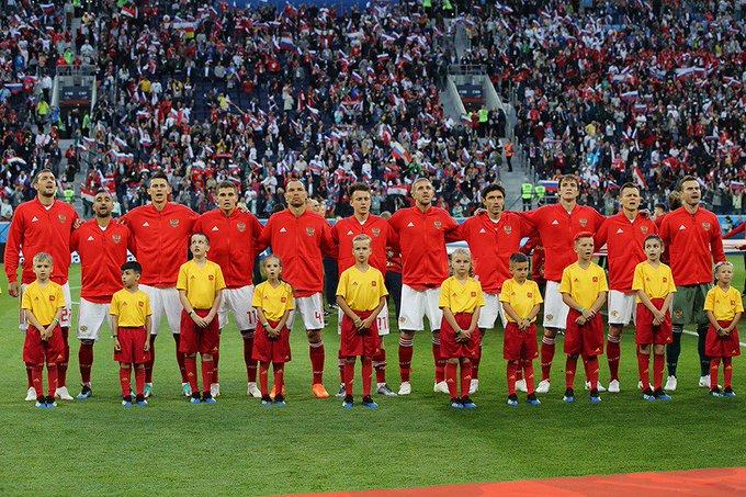 Curiosidades do #Mundial2018 - A Rússia, como nação independente, conseguiu, pela primeira vez na sua história, ultrapassar a fase grupos num Mundial de Futebol. #RUS Photo