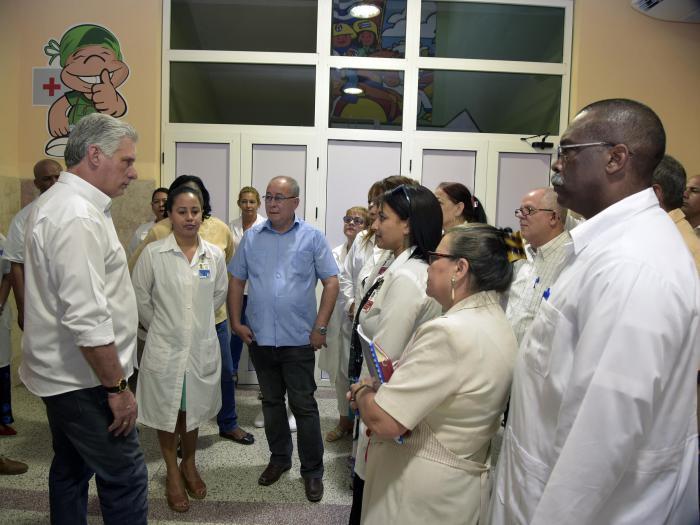 Díaz - Canel durante su visita a Santiago de Cuba