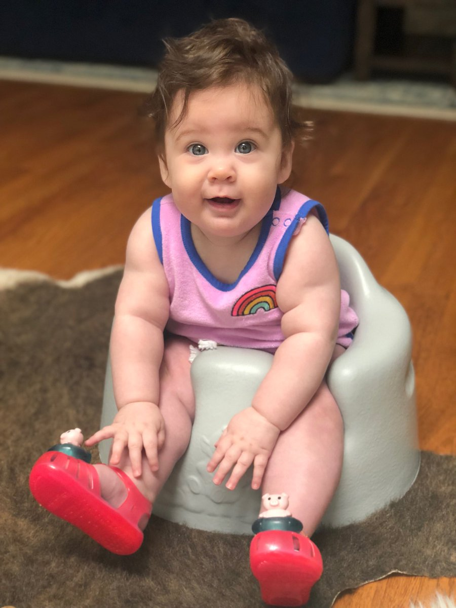 Only #7months old but she knows a good pair of kicks when she sees them 👠 #newshoes #littlewren