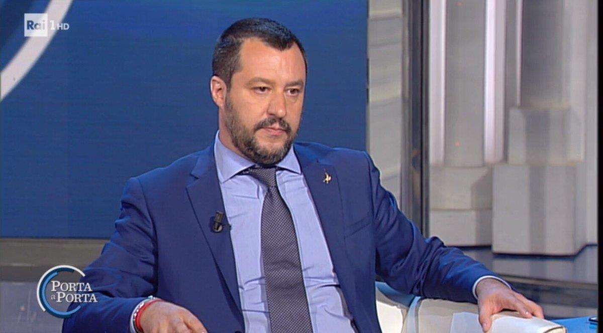 #Salvini: sono pagato dagli ITALIANI per fare gli INTERESSI DEGLI ITALIANI! #portaaporta  - Ukustom