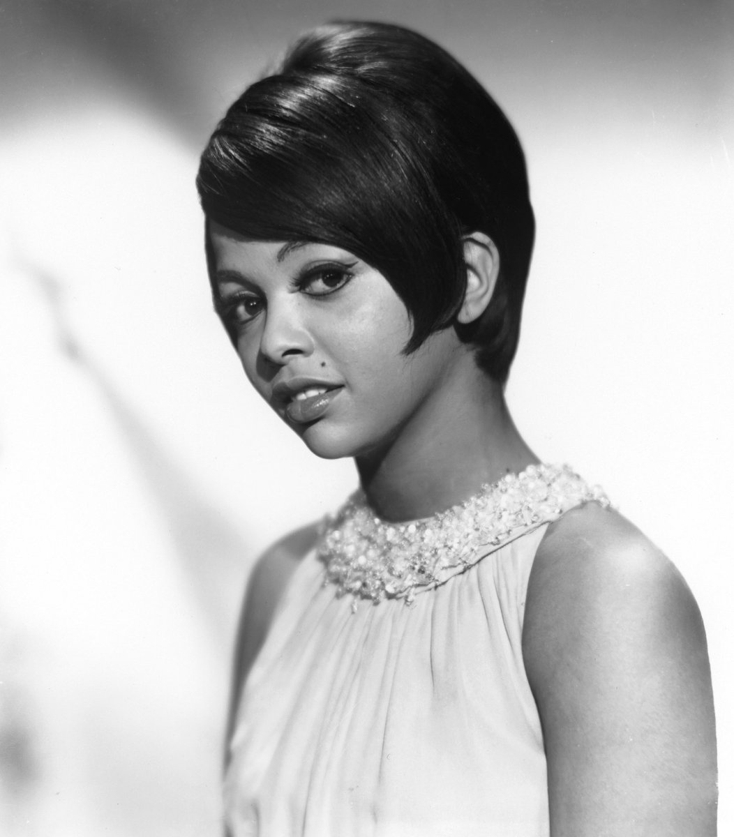 What do these artists have in common? They were all #GoneTooSoon.. tune in to tonight's #UnsungThemeNight beginning at 8/7c #TammiTerrell #DonnyHathaway #PhyllisHyman<br>http://pic.twitter.com/Ar0cE00yuM