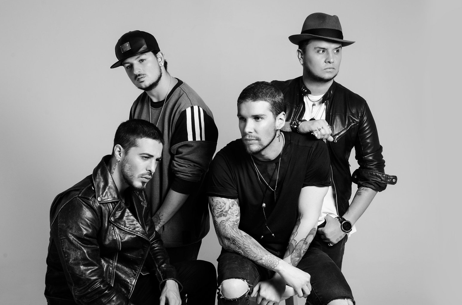 Watch Piso 21 celebrate their latest Billboard hit with an acoustic session https://t.co/hBR3JVSLDc https://t.co/DgBYBKT5Yk