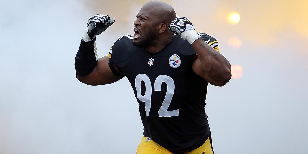 He's at it again. @jharrison9292.  In the weight room.  ������: https://t.co/tCXGplgrw1 (via @thecheckdown) https://t.co/eCPOfLiiu9