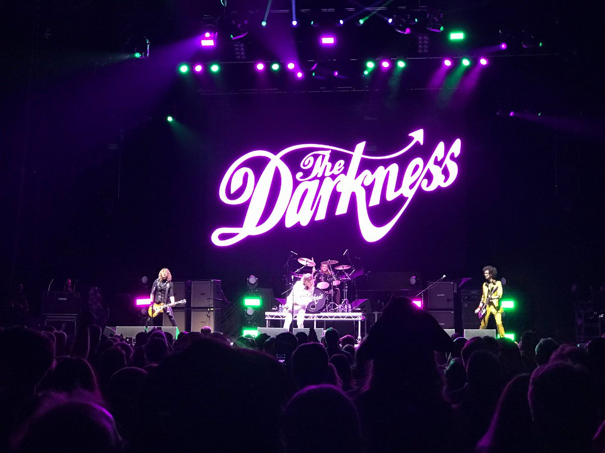 Seeing @thedarkness tonight was exactly what I needed! Amazing as ever xx