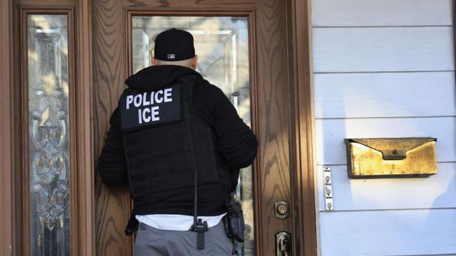 Protesters shut down ICE detention facility https://t.co/u99Y06C1oa https://t.co/OLCnAI7neA