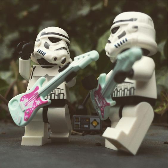 Wednesday is almost done...jammin&#39; in to Thursday, Stormie-style ;D #Stormtrooper #LegoStarWars<br>http://pic.twitter.com/om2gn9HJrE