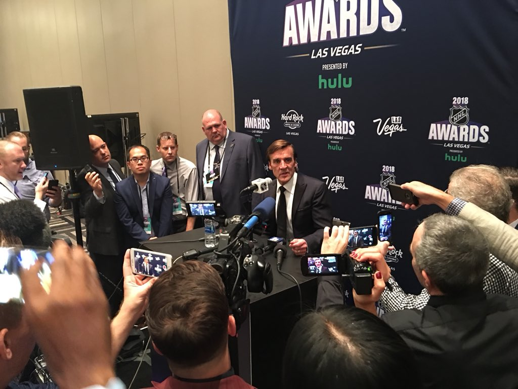 George McPhee talking to press about Season ending honor. @GoldenKnights sweep 4-4 at the Awards show