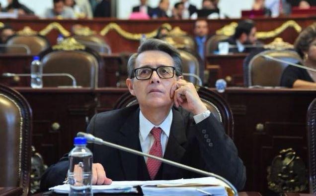 #Elecciones2018 Suárez del Real responde a @MikelArriolaP sobre acusación de trata en el tercer #DebateChilango Foto