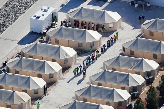 Tent city for migrant children puts Texas border town in limelight https://t.co/cbTX3wXo5a https://t.co/4l1coGLtCs