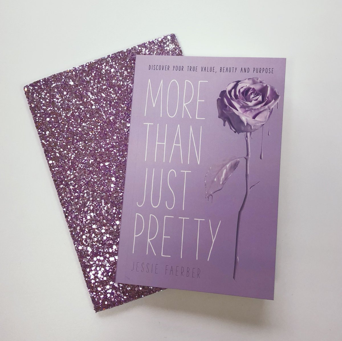 Happy #BookBirthday to @JessieFaerber&#39;s More Than Just Pretty! Designed by @MsLenith and look how it matches her notebook perfectly! #MoreThanJustPretty @SPCKPublishing<br>http://pic.twitter.com/hIsWRHciAH
