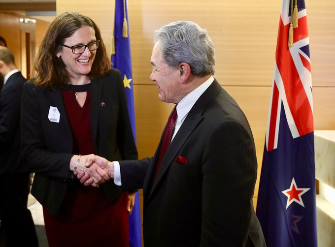 Good meeting with Acting PM and Foreign Minister of New Zealand @WinstonPeters, talking about how an EU-NZ trade deal can simplify trade between us. Photo