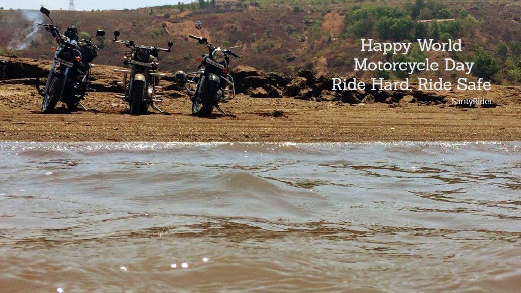 Happy world motorcycle day.... ride hard ride safe guys #santyrider #myblackbeauty #royalenfield #thunderbird #classic500 #electra500 #pavanadam #loveforride #passionforride #iphone click #minephotography pic.twitter.com/xKhobuRjsl