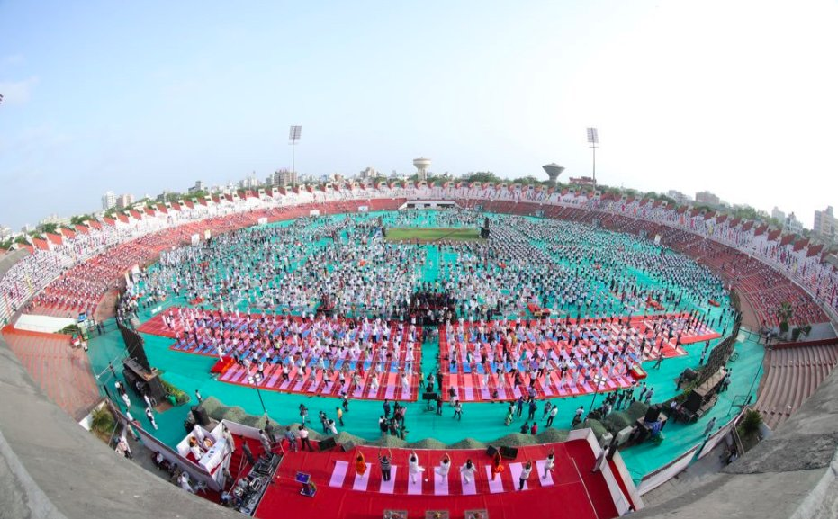 Thousands participate in State-level International Yoga Day function in Ahmedabad