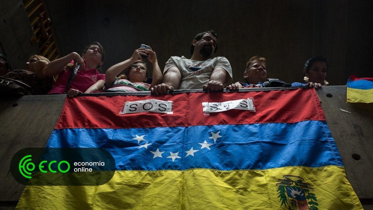 Venezuela anuncia aumento de 103,7% do salário mínimo https://t.co/dphE4cRUod