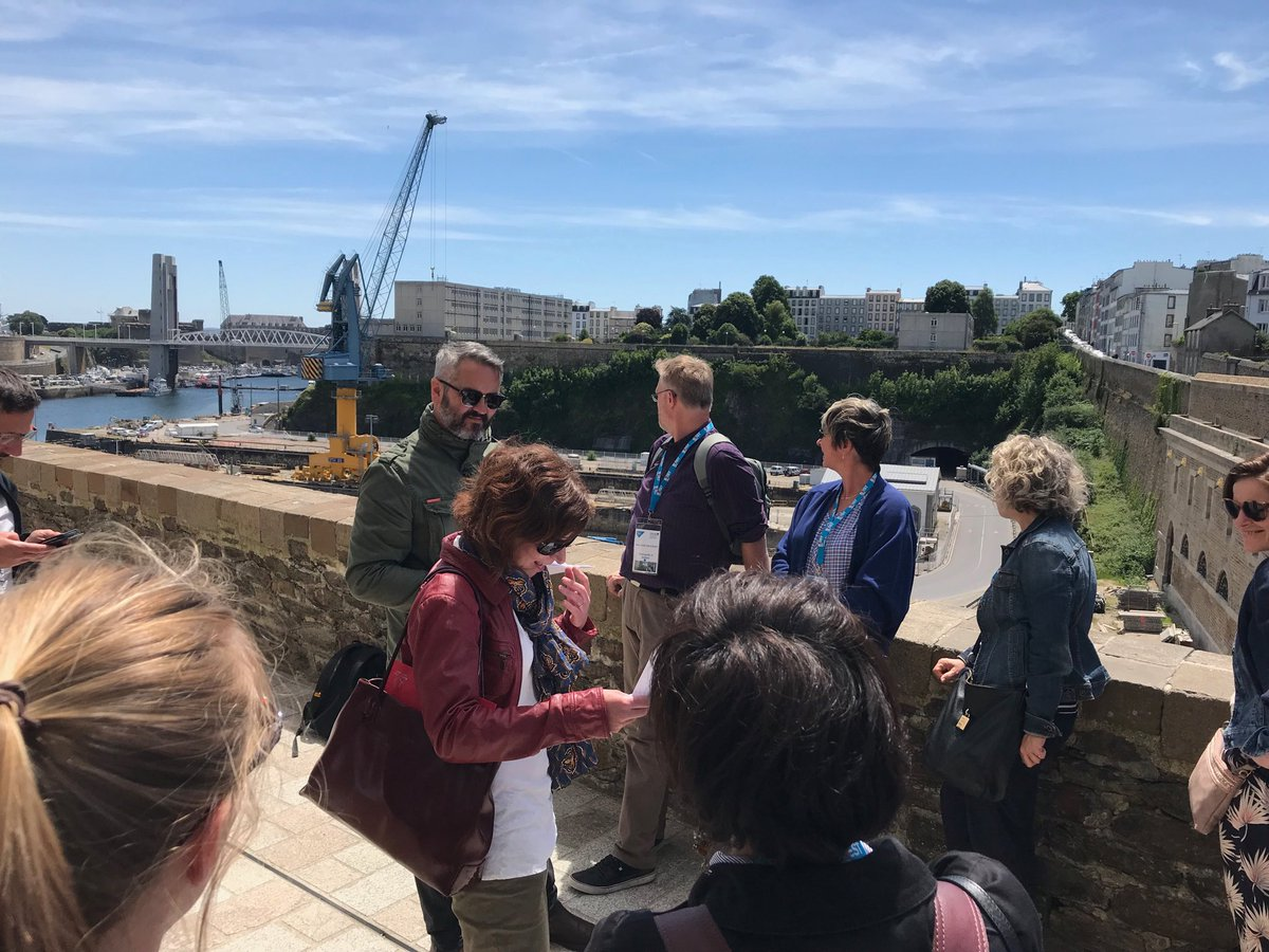 ⁦⁩ ⁦@INTERREGTweets⁩ ⁦@hansvanammers⁩ Brest excursion  CAN project working in improving housing conditions in Recouverance neighbourhood #energypoverty <br>http://pic.twitter.com/vOJwViJ0Zf