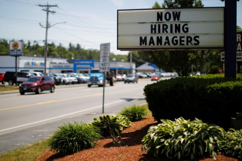 Jobless claims fall for fourth straight week https://t.co/tZ59oUg9P3