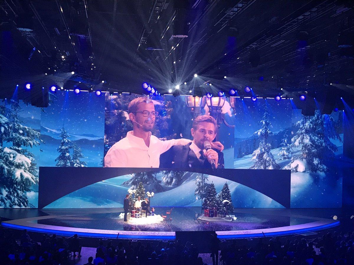 """Mehr Joko & Klaas: #DuellUmDieWelt, #BesteShow und """"Weihnachten mit Joko & Klass""""."""