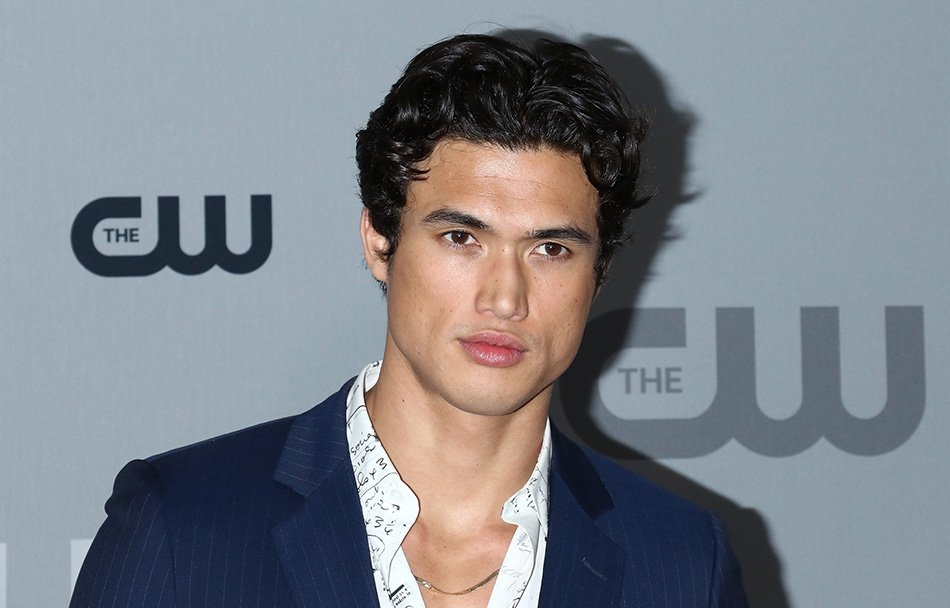 #Riverdale's Charles Melton apologises for a series of fat-shaming tweets >>> https://t.co/xo0uPHpPXE https://t.co/y1otiHFxbv