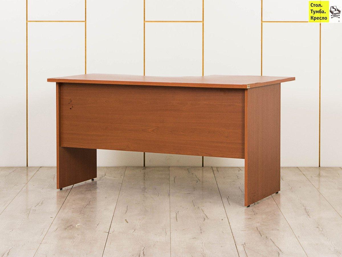 картинка эргономичного стола с тумбой накладные