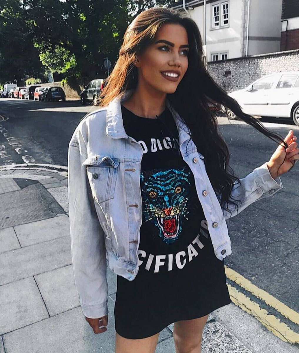 Image for Casual VIBES with our BOO @laurabatchelor 😍  Style: KYRO  Shop Here >>  #Ikrushbabe #styleinspo https://t.co/yaoOjOo3W0