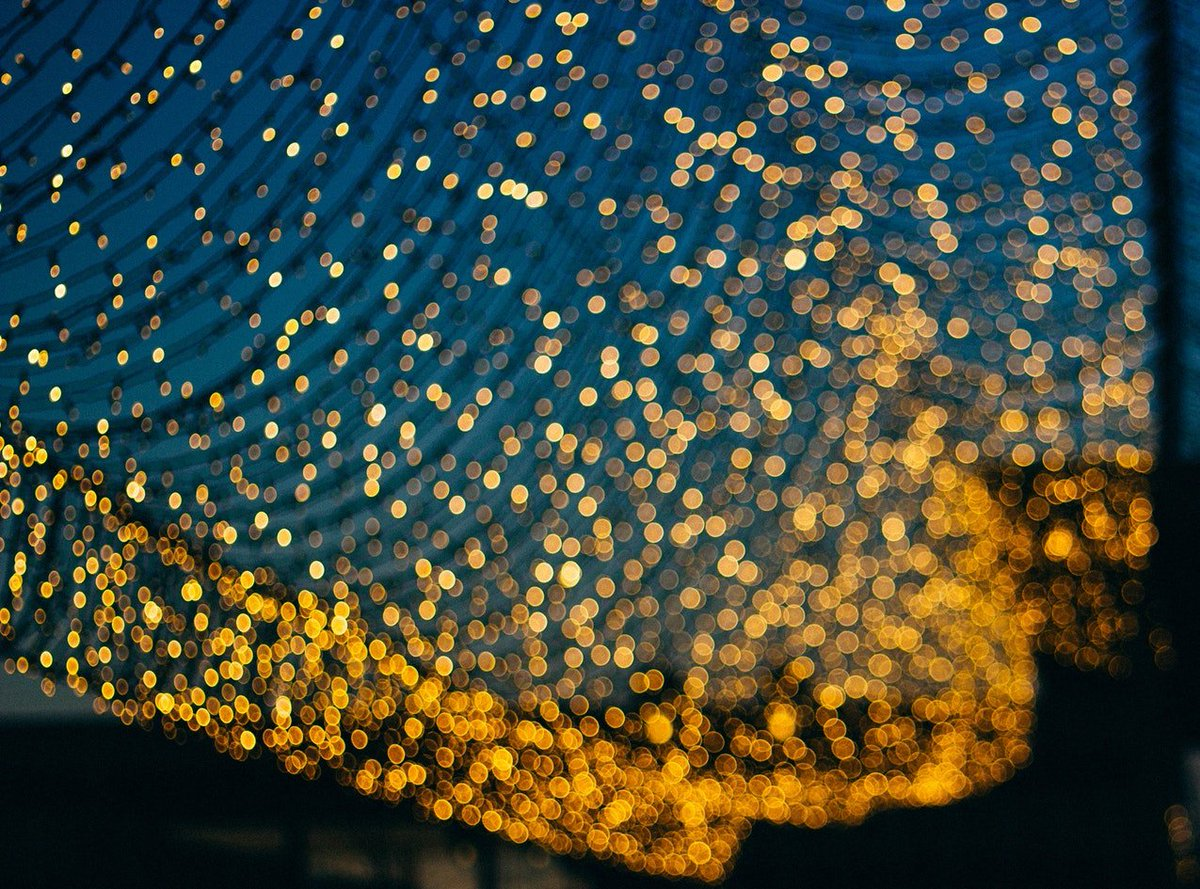 The Physical Gold market is a multi-trillion dollar industry however, is still largely opaque, specialist and requires significant capital to invest #jinbitoken #ICO #crypto #blockchain #gold<br>http://pic.twitter.com/Ea6PvDfRni