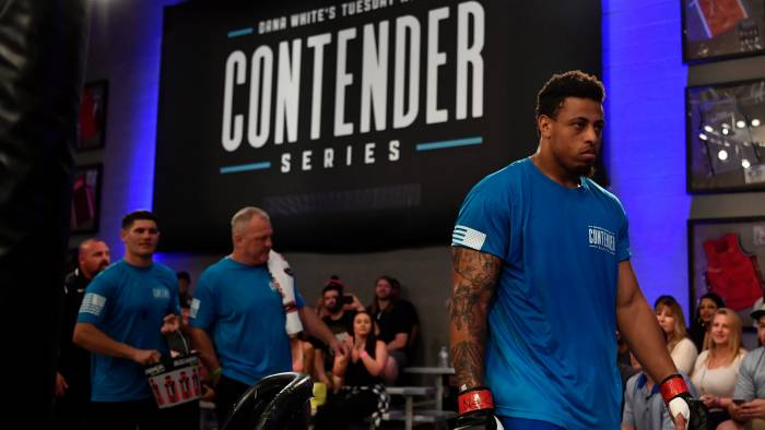 Does Greg Hardy deserve a second chance?  New story from @jemelehill for @TheUndefeated:  https:// theundefeated.com/features/does- greg-hardy-deserve-a-second-chance-ufc/ &nbsp; … <br>http://pic.twitter.com/FJTeRktEQt