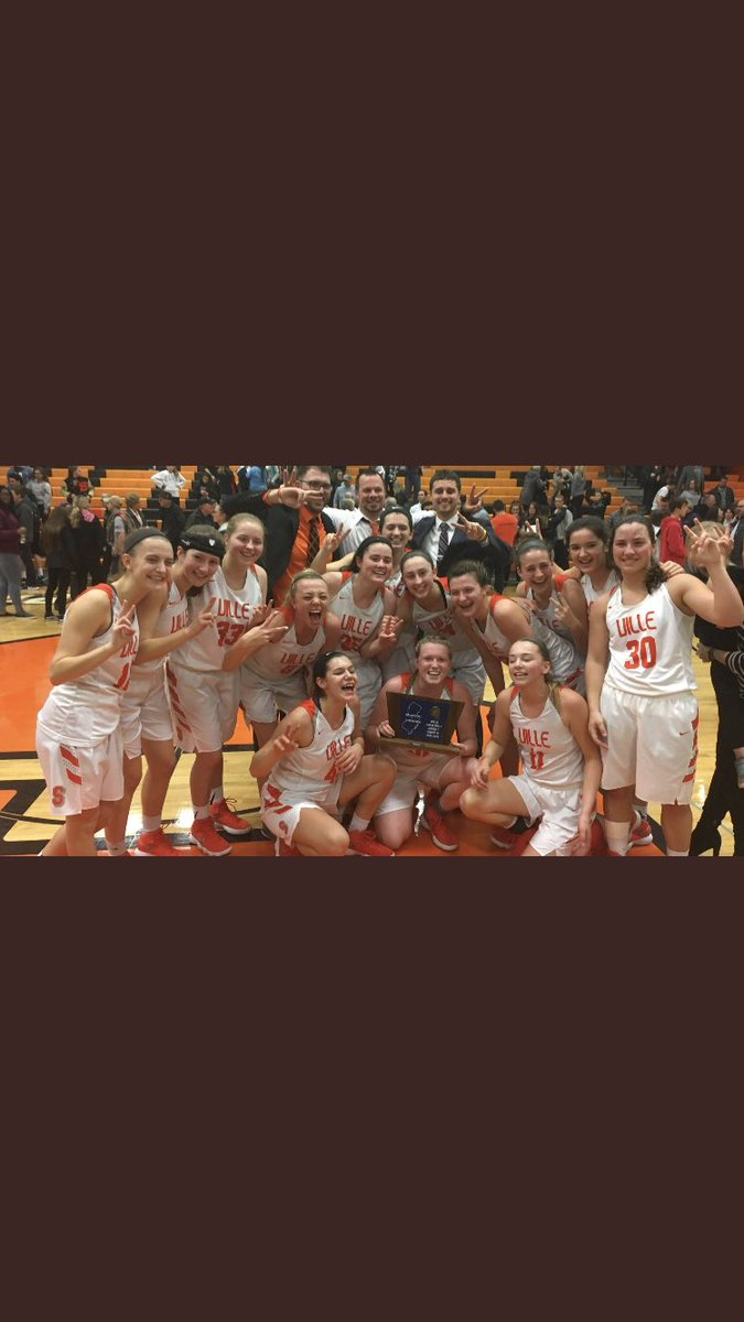 I want to congratulate every senior that's graduating this year. Somerville High School had an incredible year with the athletic program. The success the students had and all the hard work they put in helped us get four championships. It's sad to see things come to an end. #Ville<br>http://pic.twitter.com/ysypl1pCdv