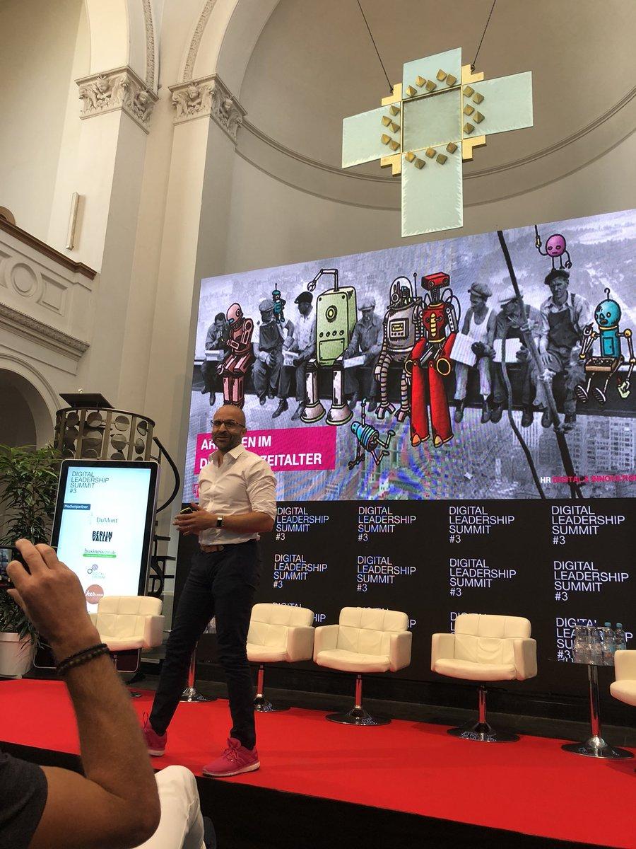 """test Twitter Media - Die Kulisse ist schon klasse. Jetzt """"Arbeiten im digitalen Zeitalter"""" mit @rezamou @deutschetelekom #digitalwork #hr #futureofwork https://t.co/AofMEHBZaN"""