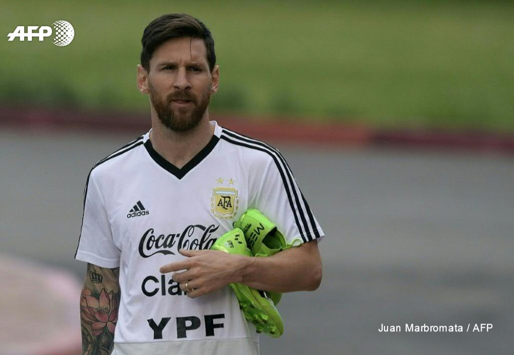 Lionel Messi is under pressure to deliver when Argentina face Croatia after his eternal rival Cristiano Ronaldo streaked clear at the top of the World Cup goalscoring charts https://t.co/XWzu6IalwH