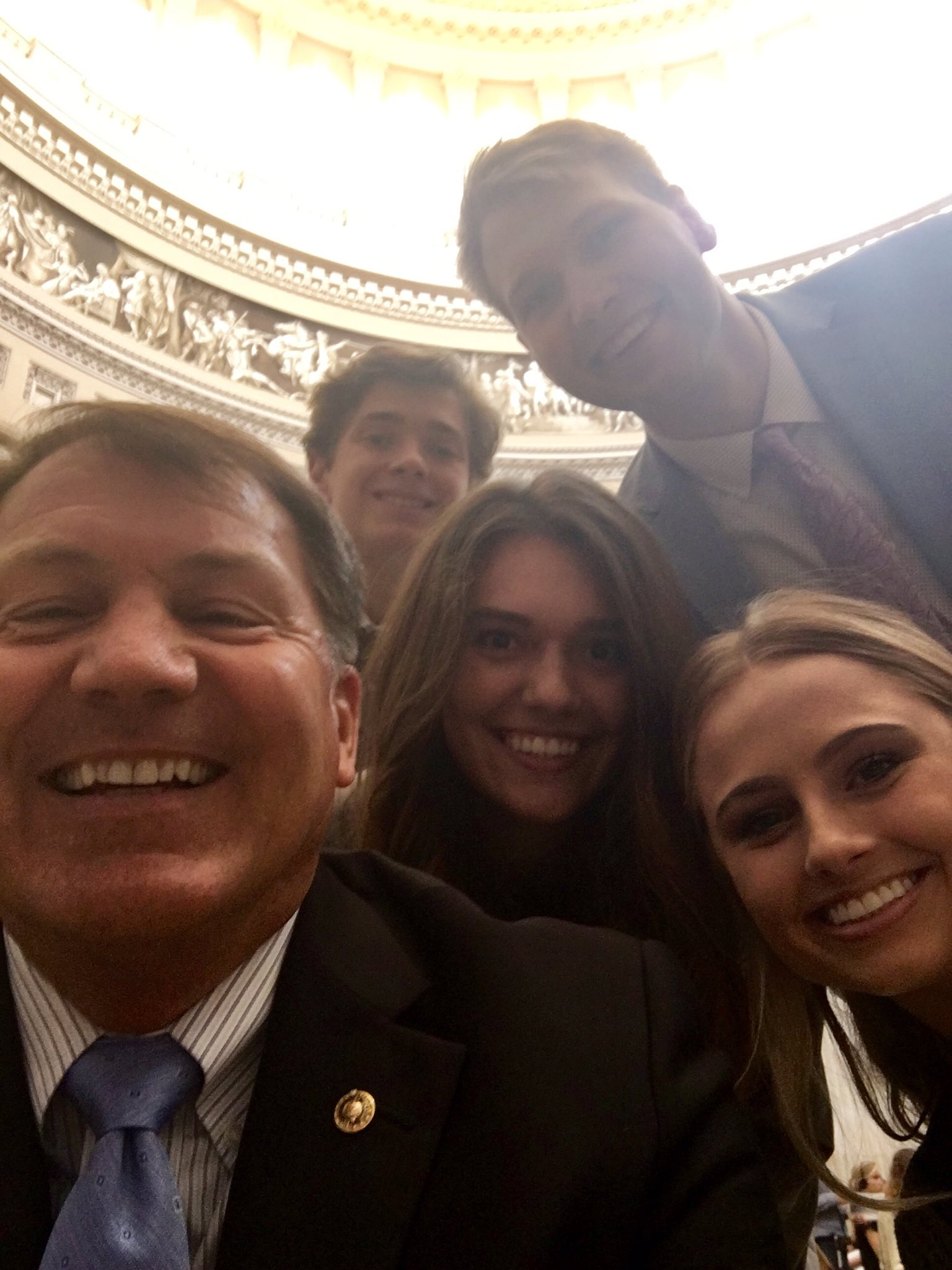 Selfie in the Capitol Rotunda w/ our awesome summer interns for #NationalSelfieDay! https://t.co/008Jgr71My