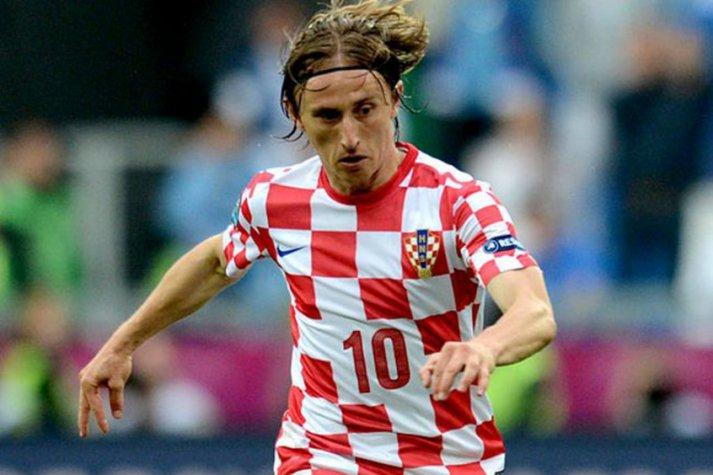 Sempre bom deixar claro que a camisa da Croácia jamais foi comparada à uma toalha de mesa nesse Brasilzão. Que manto lindo! 😂😂😂