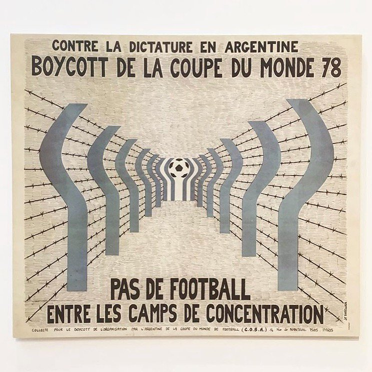 Amazing French poster boycotting the Argentinian World Cup of 1978 by the Coba group @presentcorrect #argentina #buenosaires #design #worldcup <br>http://pic.twitter.com/vJDTA85u2Z
