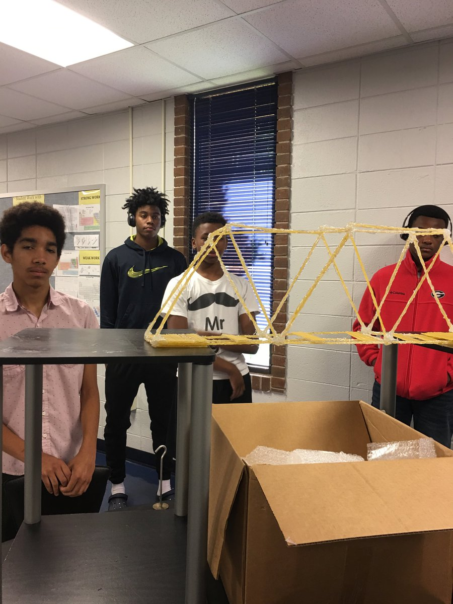 BI STEM Camp- Teams are competing against each other, which will hold the heaviest load <br>http://pic.twitter.com/ocV6I70imp