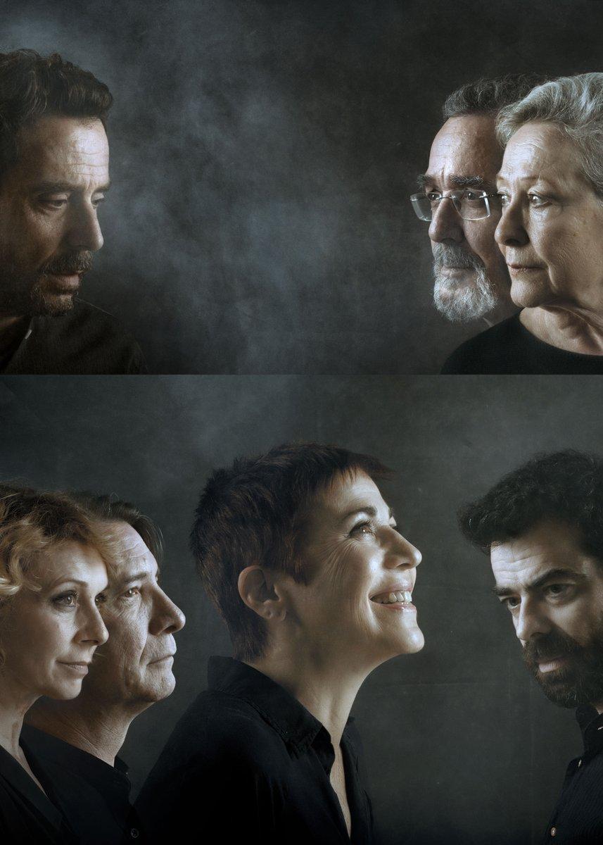 La resposta. A vegades els cartells originen petit dubtes: ulls oberts/ulls tancats.  #SílviaMunt #EmmaVilarasau #ÀlexCasanovas #FerranRañé #CarmeFortuny #EduardBruch #ÀngelsGonyalons #DavidSelvas @Teatre_Goya @grecfestivalbcn