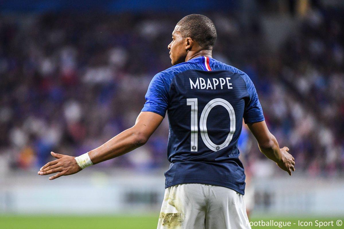 [#CM2018] Kylian Mbappe🇫🇷 vient de marquer son premier but en Coupe du Monde à 19 ans et 183 jours ! Il devient le plus jeune buteur français de l'histoire dans une compétition majeure ! 🔥
