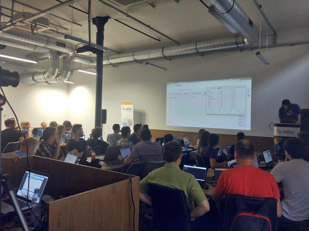 2nd of 8th #javascript from scratch workshop. Over 40 people against. Very nice @staskiewiczmiko! Live stream @  http:// YouTube.com/miksturait  &nbsp;   #frontend #webdevelopment #emberjs #reactjs #programista15k<br>http://pic.twitter.com/wjPNBP6LJh