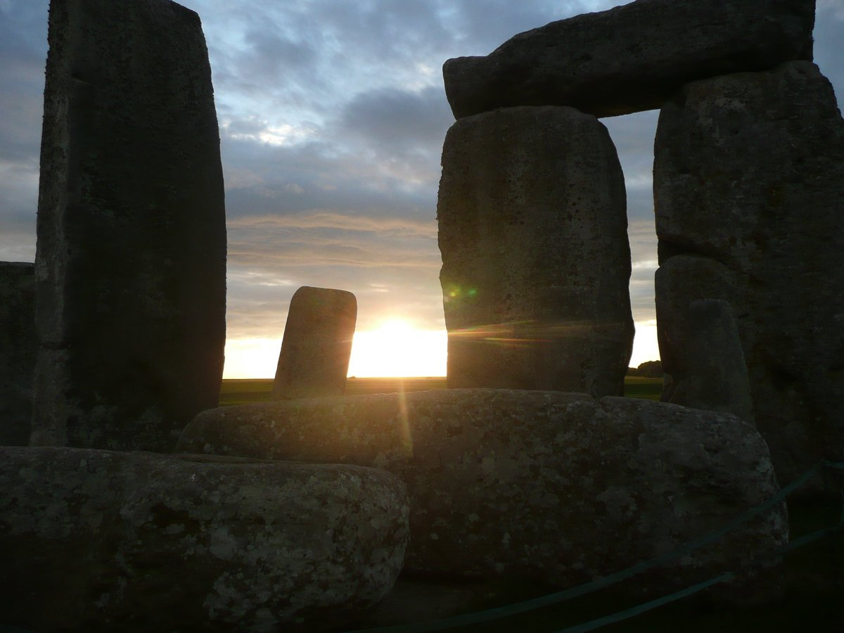 #HappySolstice  Solstice has been celebrated at #Stonehenge for thousands of years. Good day to reflect on how our choices impact #MotherEarth &amp; all her species. #Blackfish<br>http://pic.twitter.com/OZJcpqpYC5