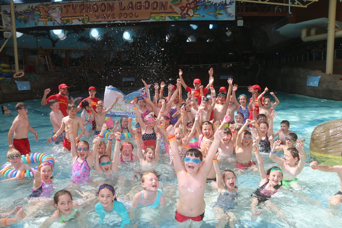 @WWA @TheWLSL Thank you to the pupils from Roseacre School who joined us this afternoon to take part in the Worlds Largest Swimming Lesson. Have fun in the water - but aways be safe! #WLSL2018 #SwimmingLessonsSaveLives<br>http://pic.twitter.com/iJ935qR5aw
