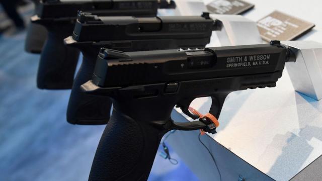 Smith & Wesson gun sales plummet, profit drops by over 80 percent: https://t.co/HOb1jllJ6C https://t.co/lp3BhSCgtD