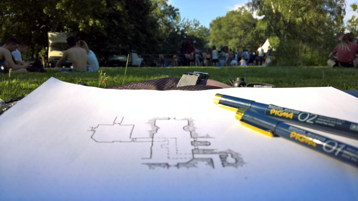 Drawing a small dungeon, while siting in a park and listening some good tekno music. What else? #dungeon #RPG #map #cartography #osr<br>http://pic.twitter.com/04i0Wb8bOC