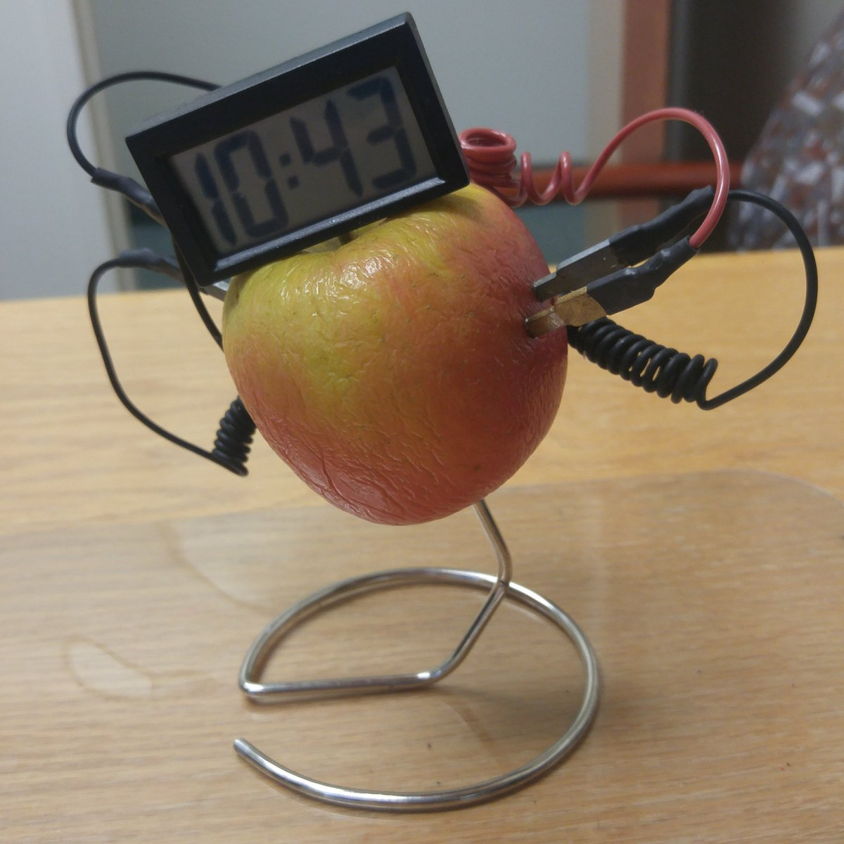 2018 Apple Clock - Created by Maryanna Wendel