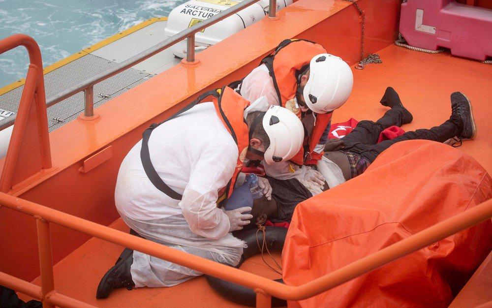 Mais de mil migrantes morreram afogados no Mediterrâneo central desde janeiro https://t.co/279oecTfUN #G1
