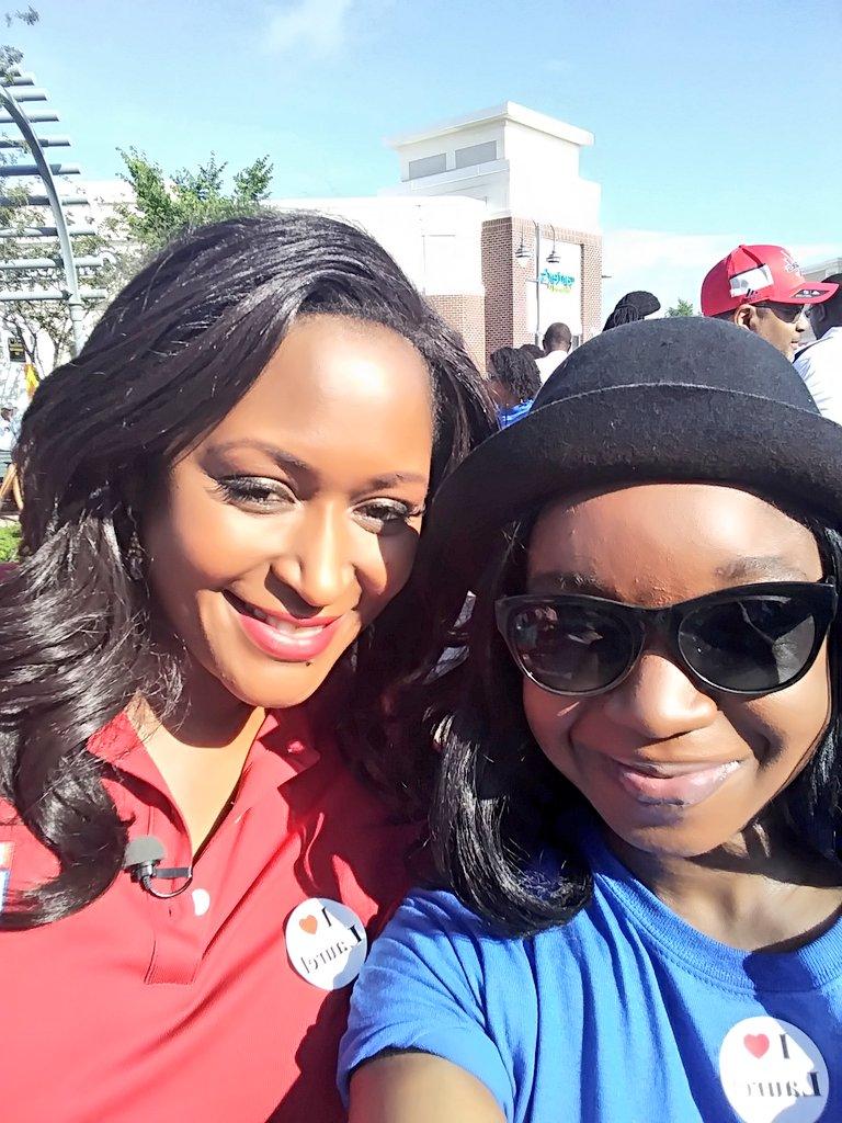 Happy #SelfieDay @MaureenUmehFox5 #ZipTrip #fox5dc #Fox5Selfie #ThrowbackThursday #Laurel #Maryland #LaurelTownCenter<br>http://pic.twitter.com/AUu2C0BvCm