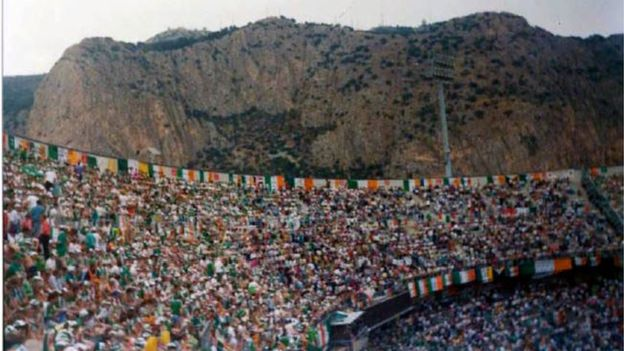 ON THIS DAY 1990: Republic Of Ireland at Stadio La Favorita in Palermo for their game against Holland #ROI #COYBIG #Italia90