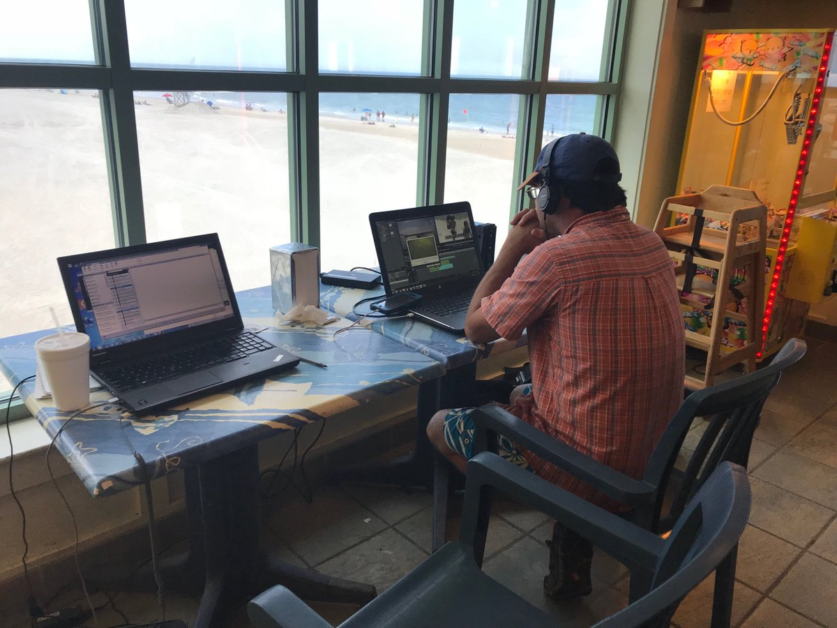 I'm here with my partner @FayFotog working with a lovely view of Wrightsville Beach from Johnnie Mercers Pier. We're doing a story about the dangers of rip currents and how to keep yourself safe. We'll have these stories at 4:45 and 6:15 this evening on #wral <br>http://pic.twitter.com/i7UgZAVtoD