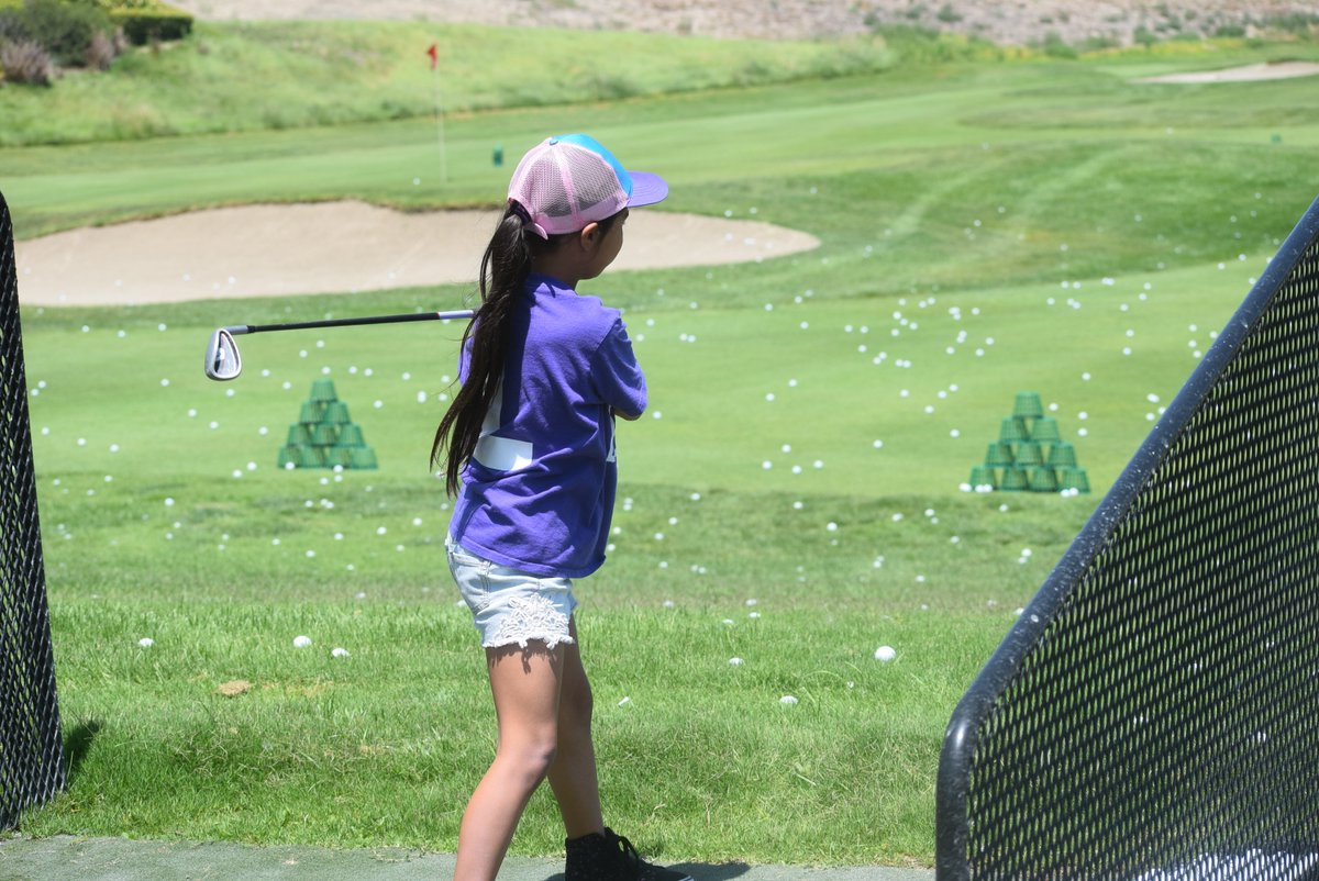 .@la84foundation is helping us build #UnrelentingChampions through our golf and player development programs. Teaching golf skills and sportsmanship year-round, the programs are swinging into a new season. #FirstDayOfSummer