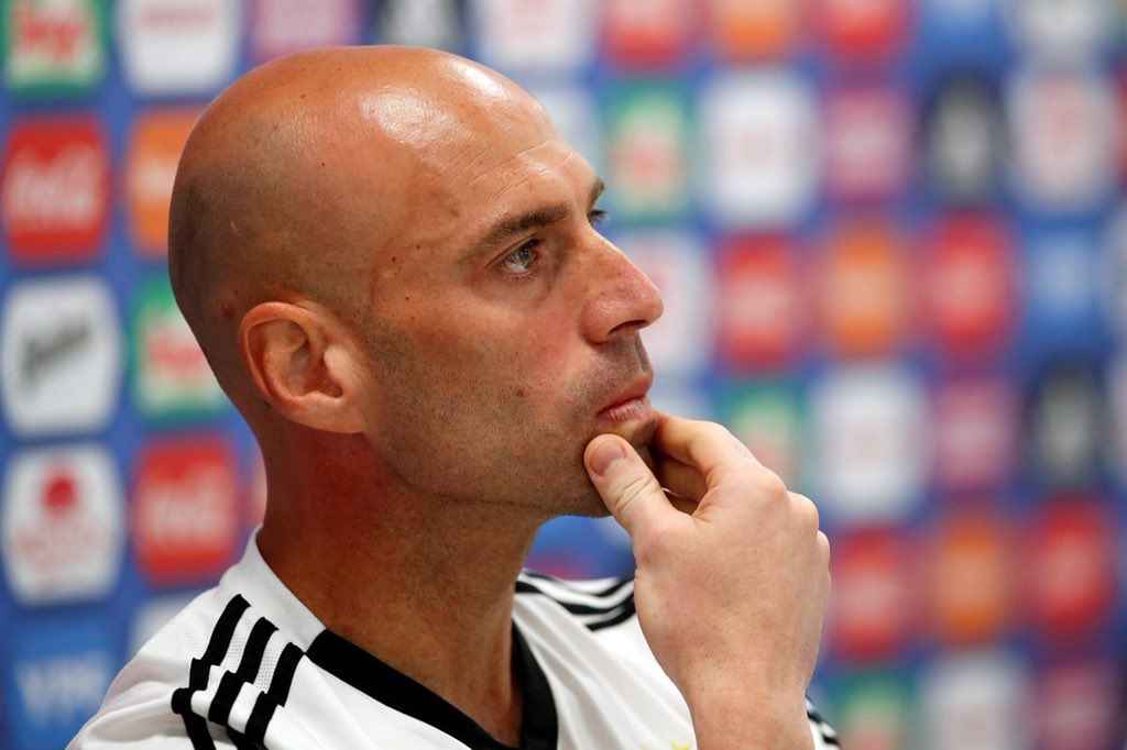 """🇪🇸 David De Gea: """"My mistake will be the worst in the World Cup this year."""" 🇦🇷 Willy Caballero: """"Hold my beer."""""""
