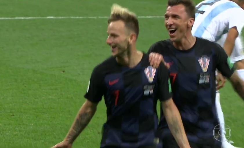 Gol da Croácia! Rakitic marca o terceiro nos acréscimos #GloboNaCopa https://t.co/O9gxyhYm5P https://t.co/QPYOteaA0h